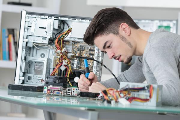 riparazione-computer-fisso centro assistenza computer notebook